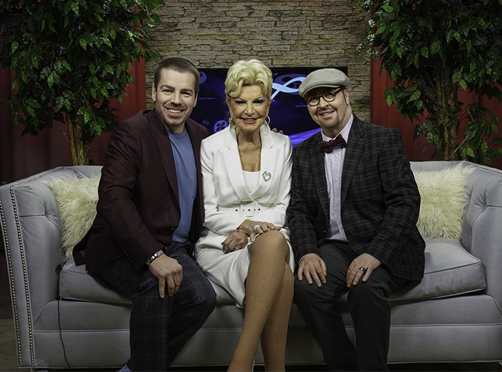 David Miranowicz, Yolanda and David Nicholas on set